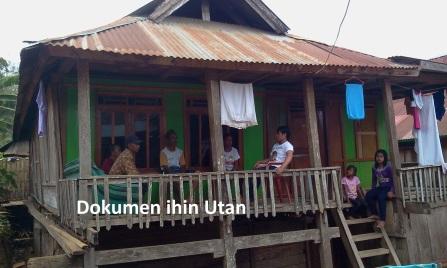 Rumah Tempat Tinggal Baham Sejak Kecil {DOKUMEN FOTO iHIN uTAN : 2014)
